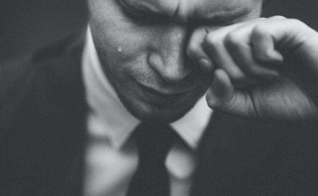 Crying Car Salesman - Best Car Dealership Marketing Strategies