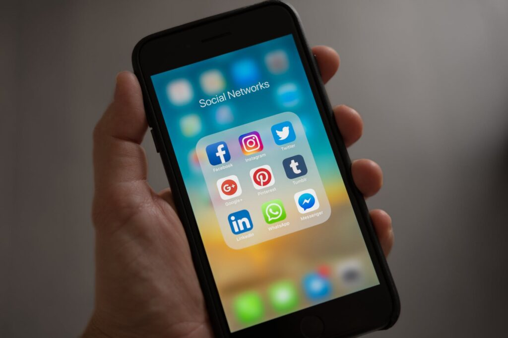 Social Media - Photo by Tracy Le Blanc from Pexels